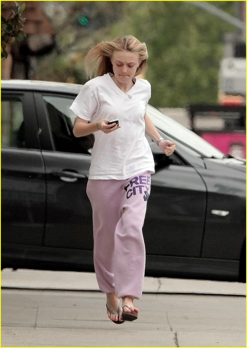 dakota fanning blackberry beauty 05