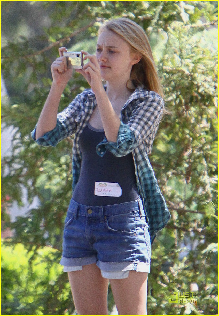 dakota fanning pretty picture 02