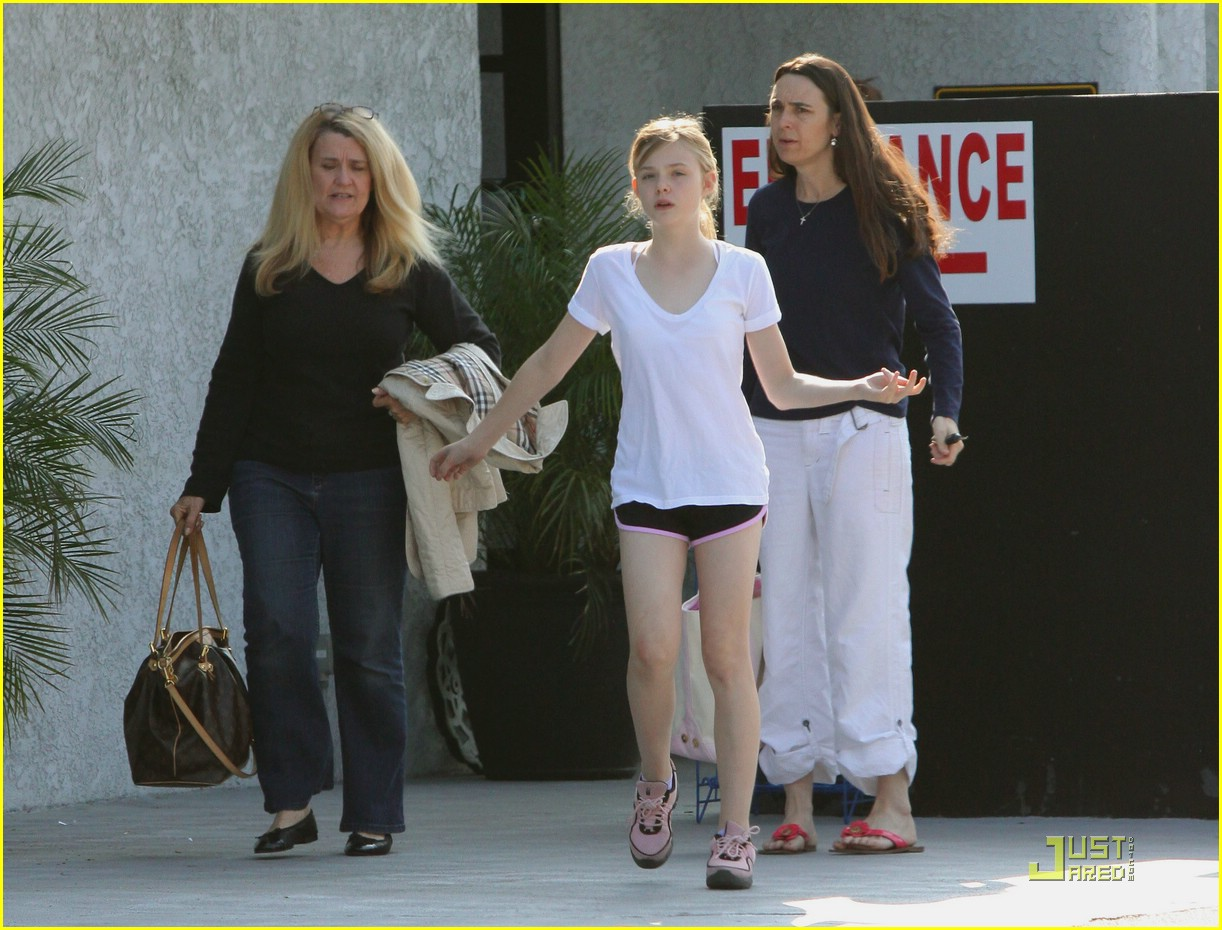 dakota fanning pretty picture 06