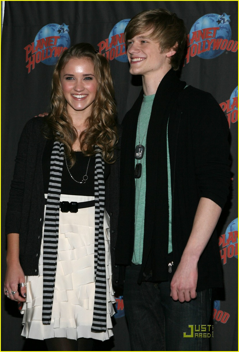 emily osment lucas till planet hollywood 19