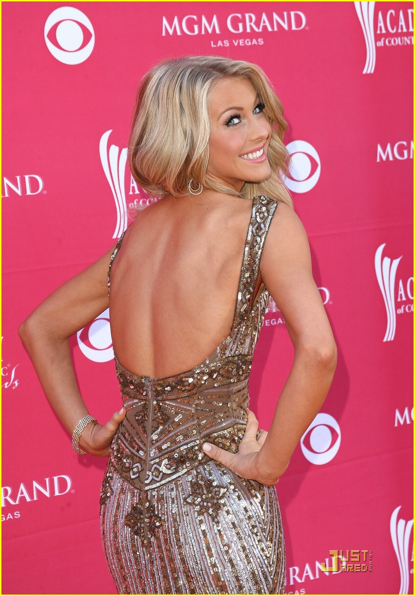 julianne hough acm winner 19