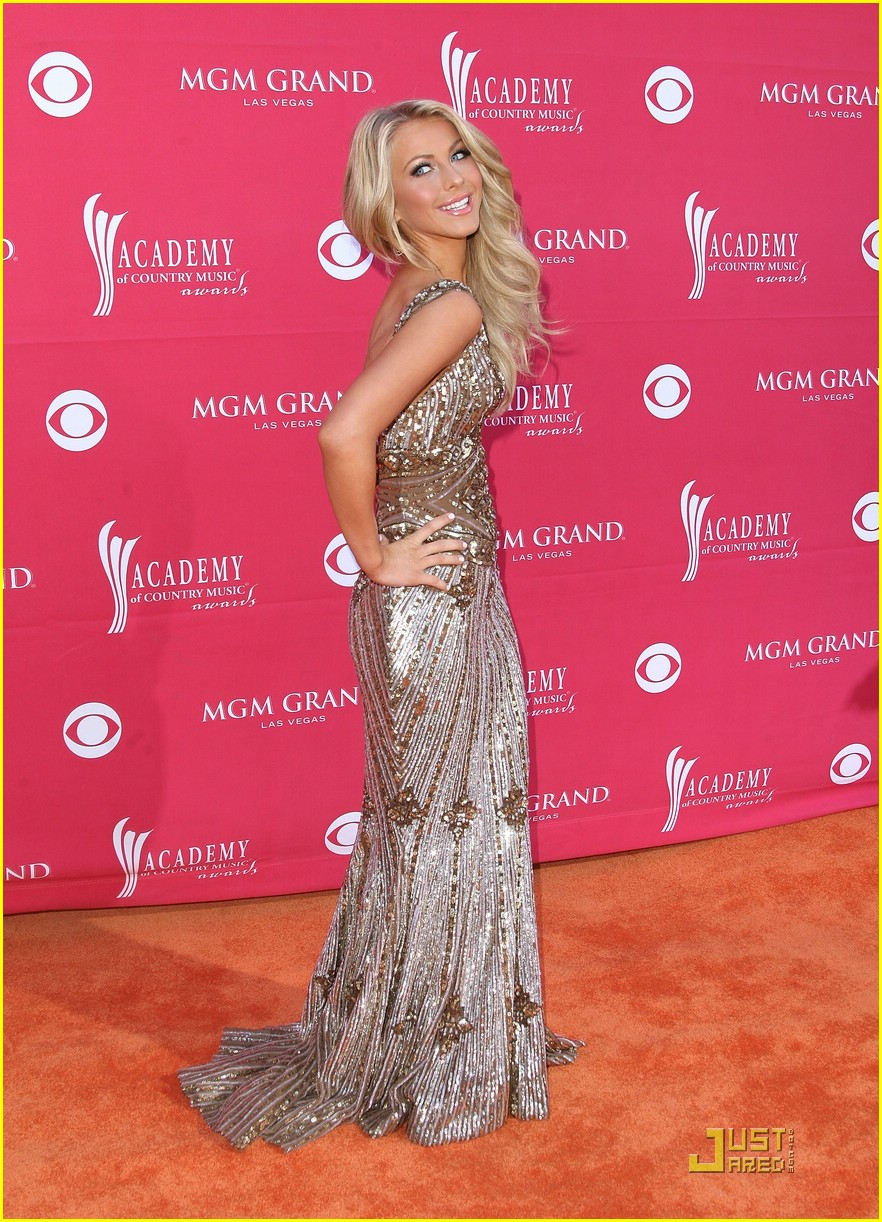 julianne hough acm winner 23