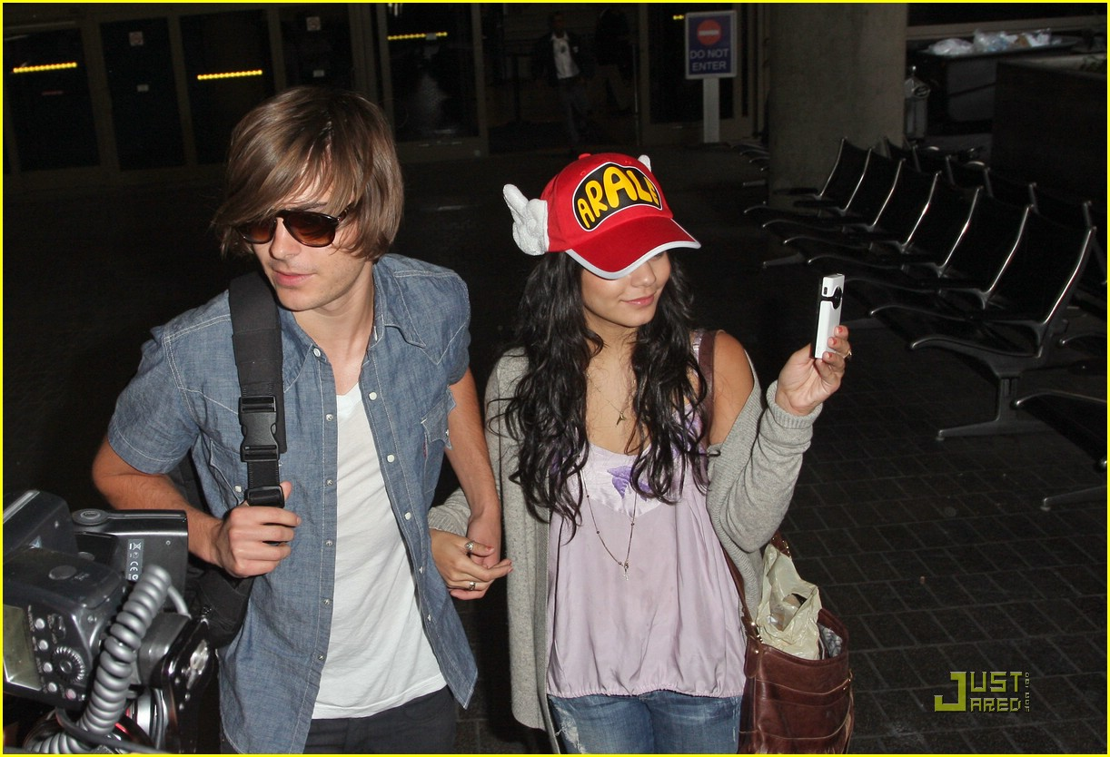 zac efron vanessa hudgens happy hands 00