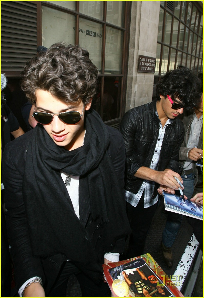 jonas brothers radio one 14
