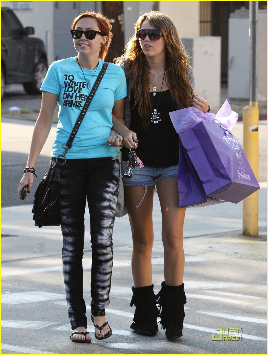miley cyrus brandi cyrus royal dutchess 15