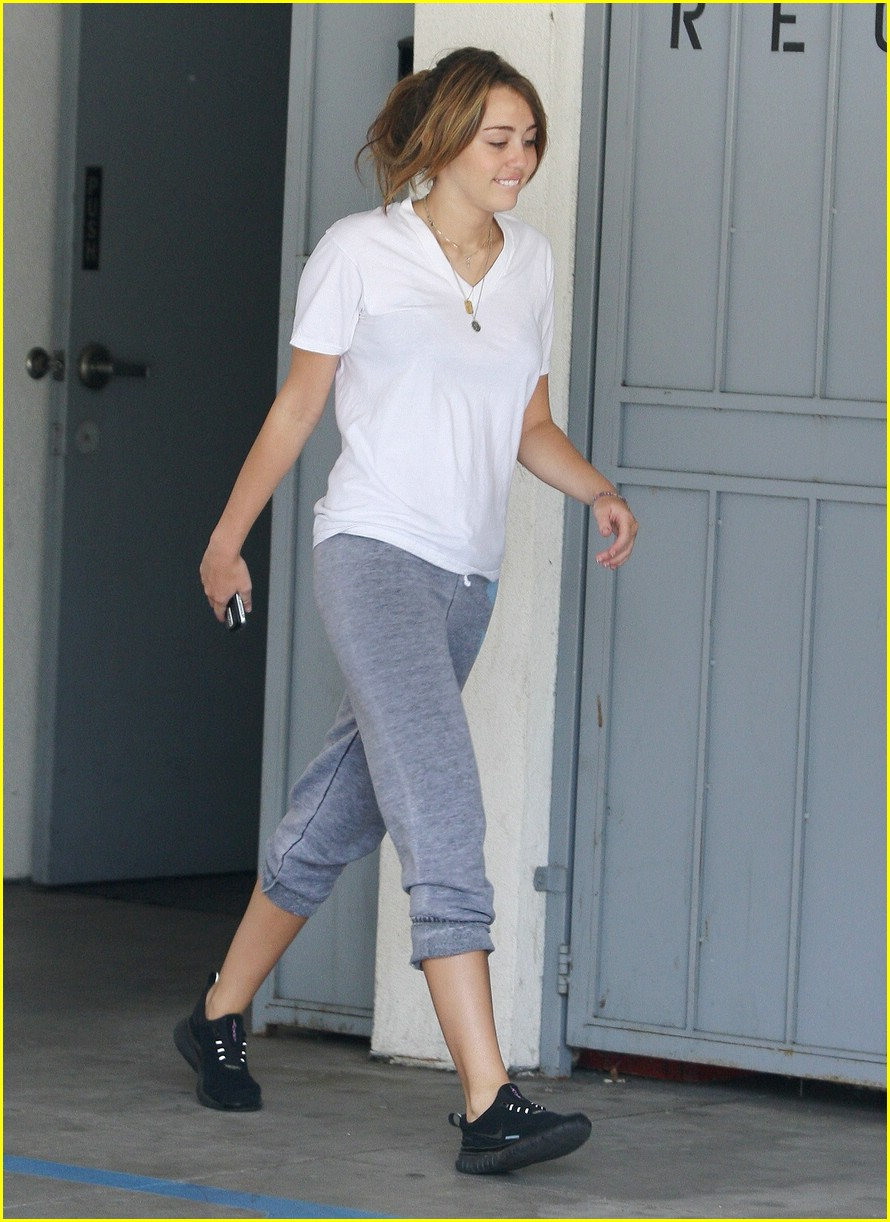 miley cyrus pilates princess 03