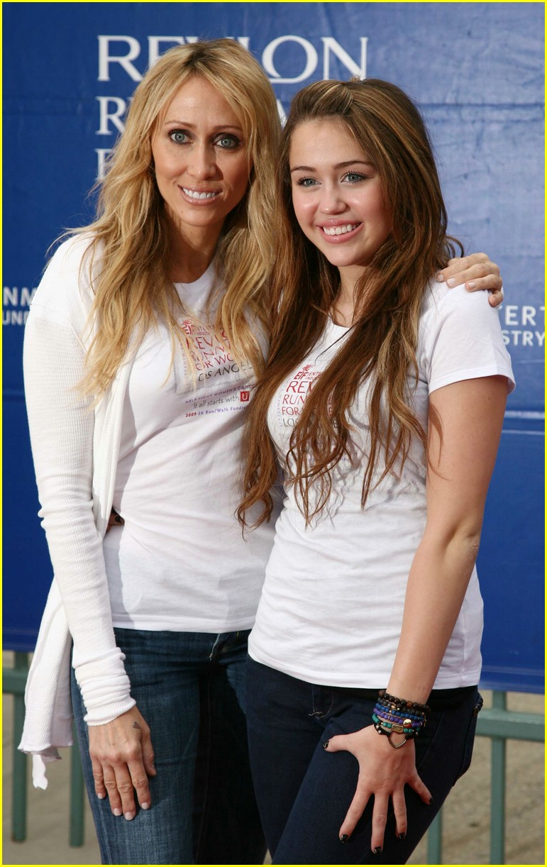 miley cyrus revlon run 05