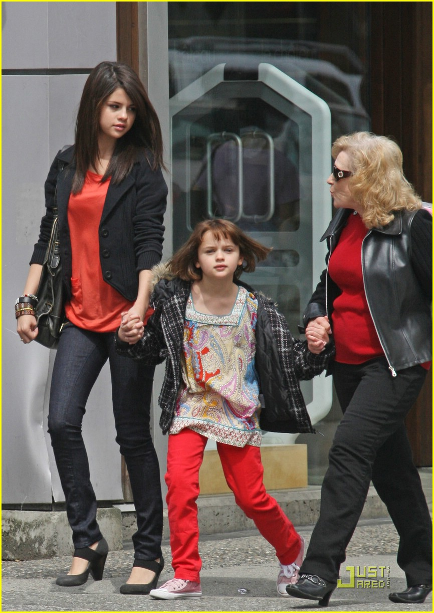 selena gomez joey king girls day out 03