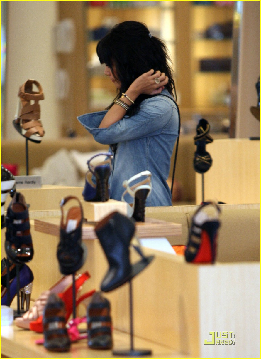 vanessa hudgens barneys 06