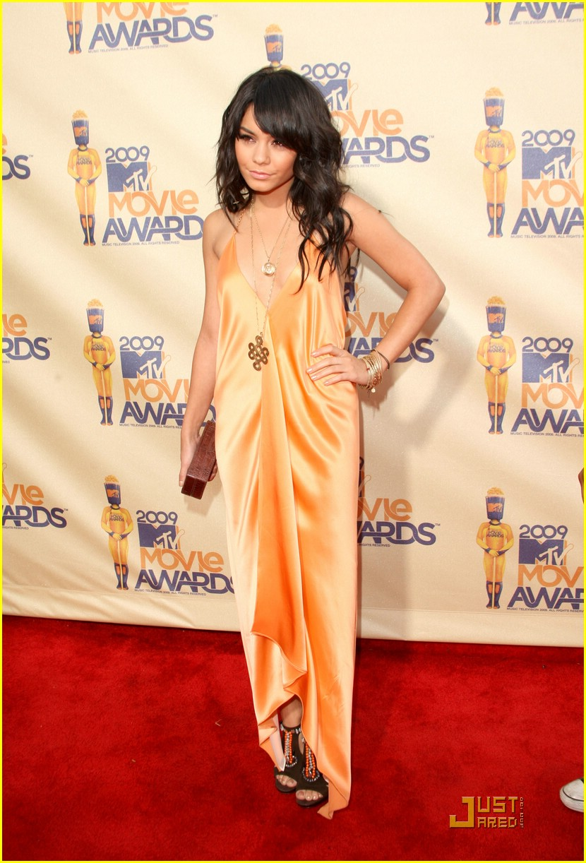 vanessa hudgens mtv movie awards 11