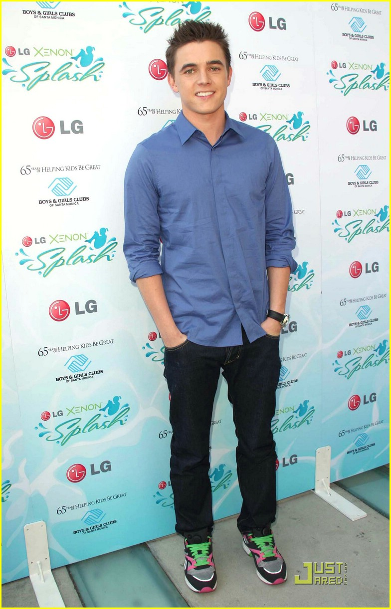 jesse mccartney makes splash 04