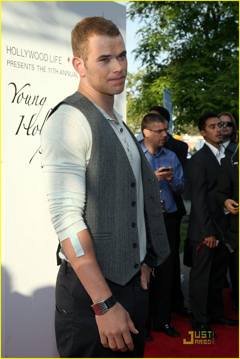 kellan lutz young hollywood awards 01