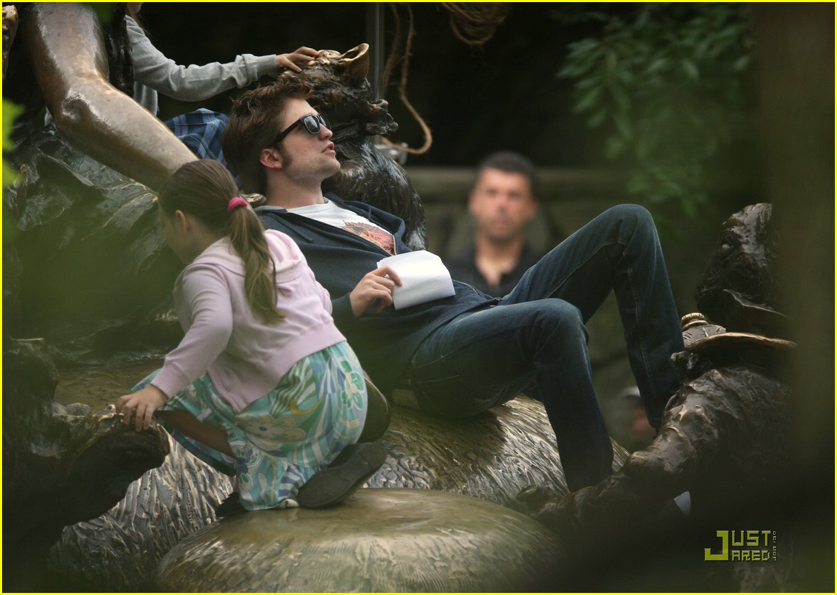 robert pattinson alice wonderland late 05