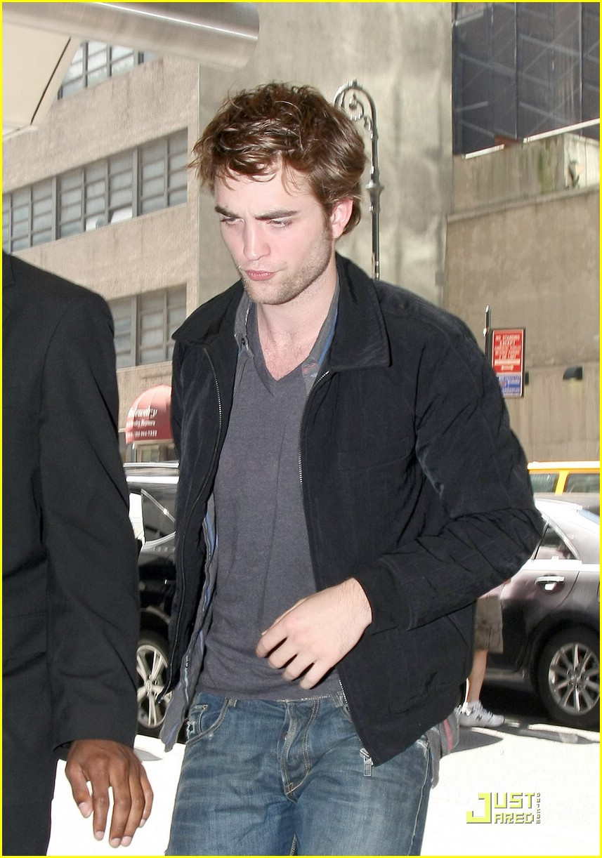 robert pattinson remember manhattan 06