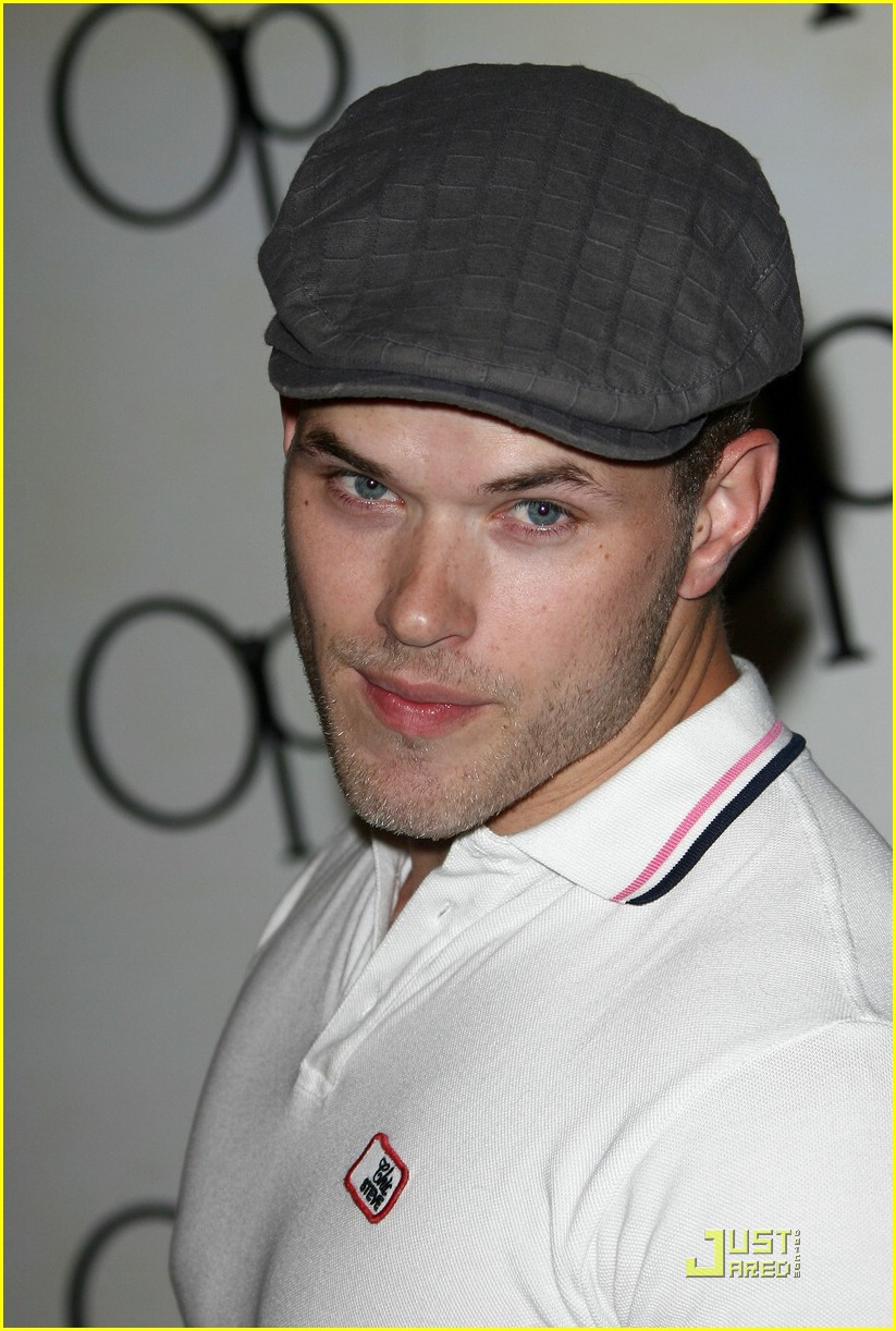 kellan lutz pop wheely 08