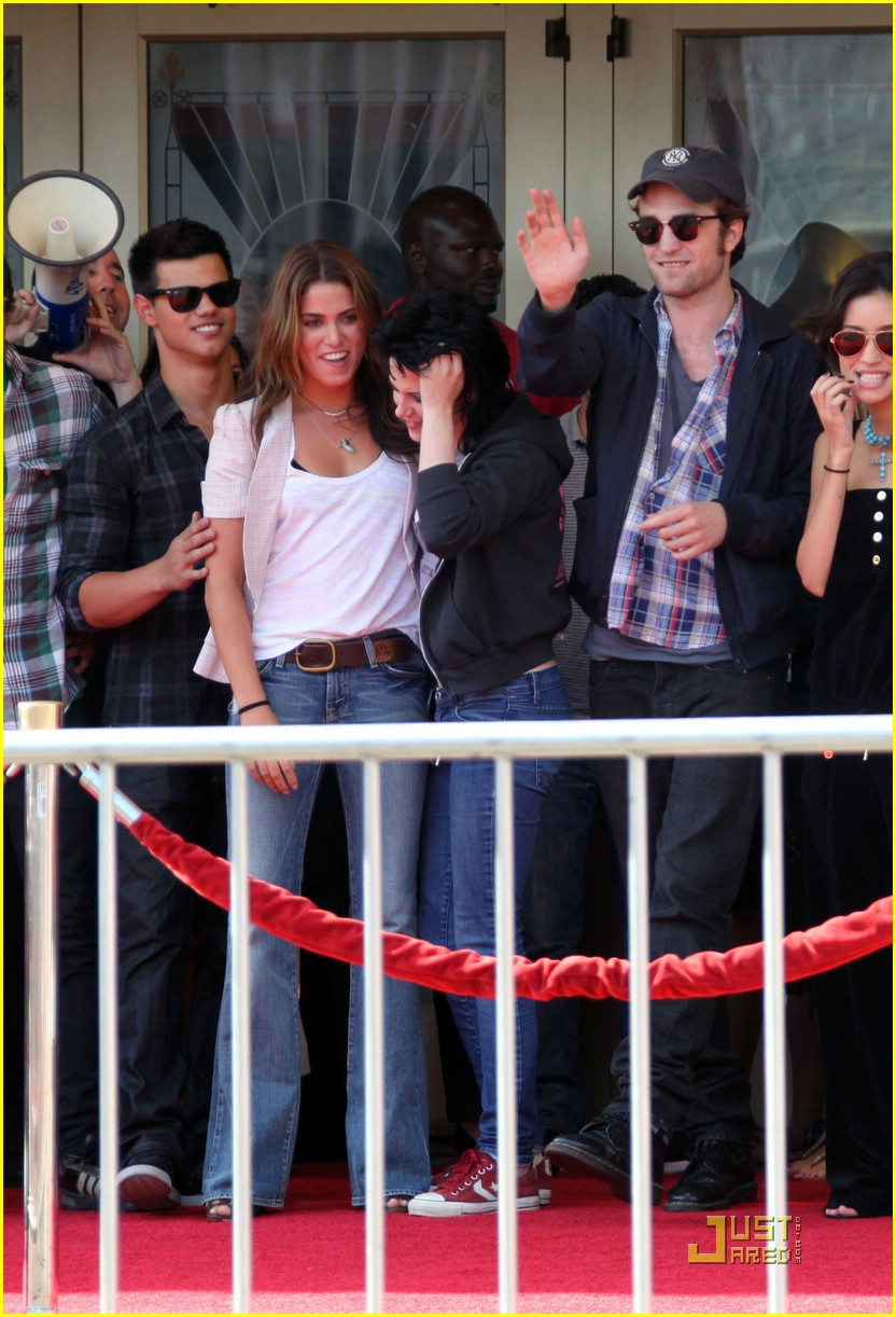 nikki reed kristen stewart surprise 10