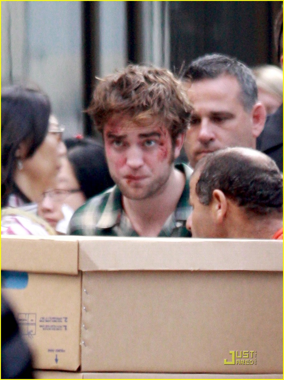 robert pattinson bloody 05