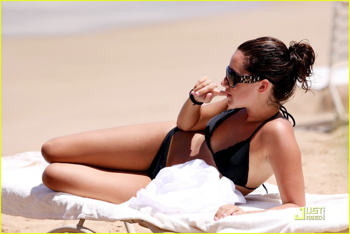 ashley tisdale scott speer hawaii 07