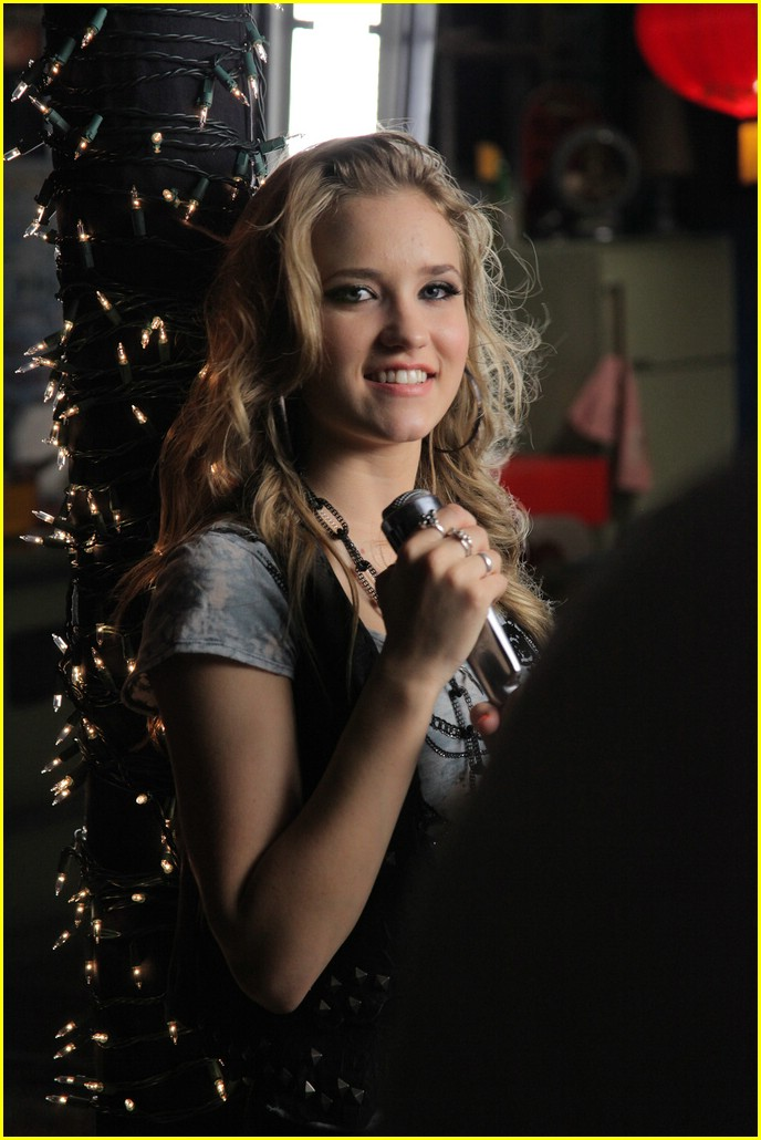 emily osment all the way up video shoot 02