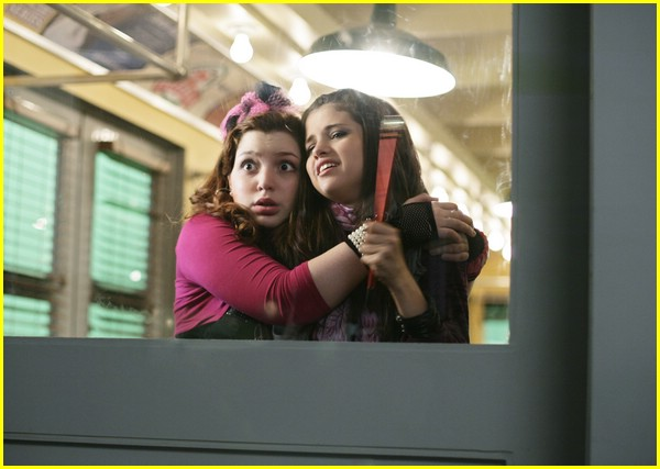 new wizards of waverly place stills 03