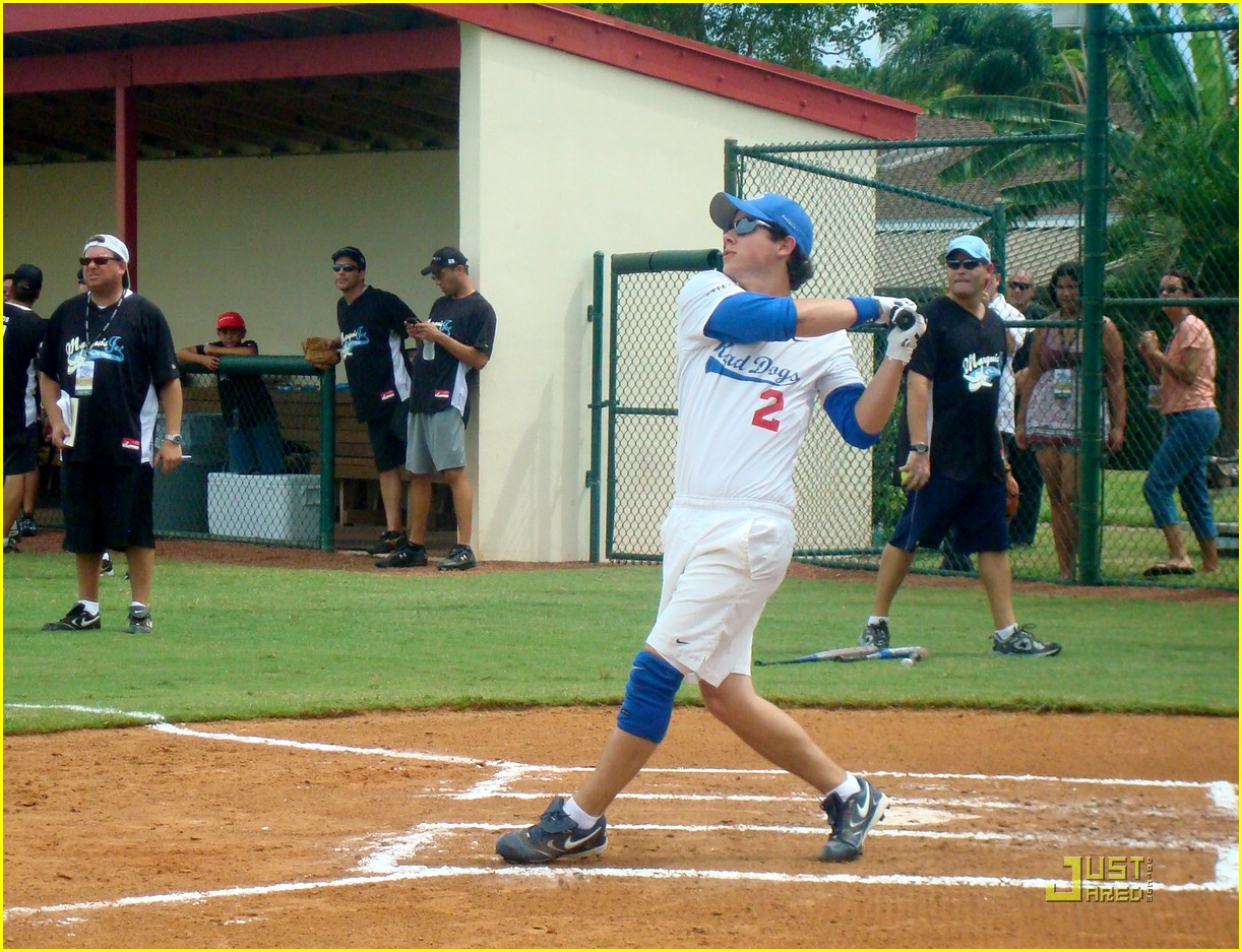 jonas brothers boca baseball 06