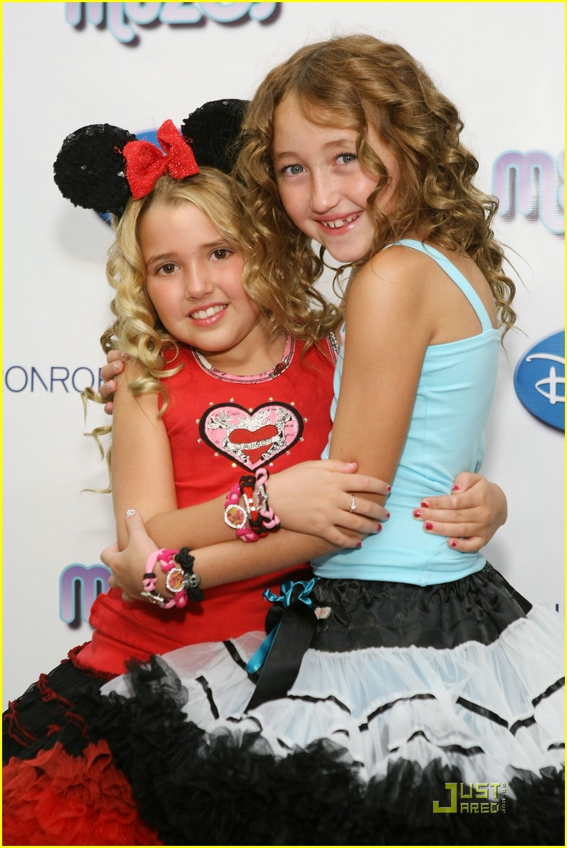 noah cyrus emily reaves segal sweeties 02