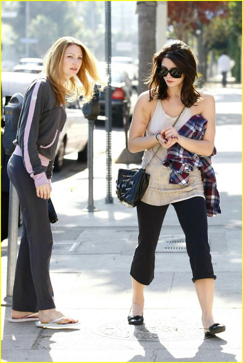 ashley greene vivians cafe 14