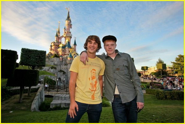 hutch dano adam hicks france 01