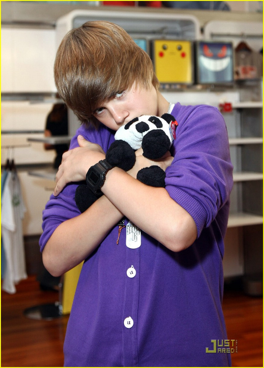 justin bieber nintendo store 01