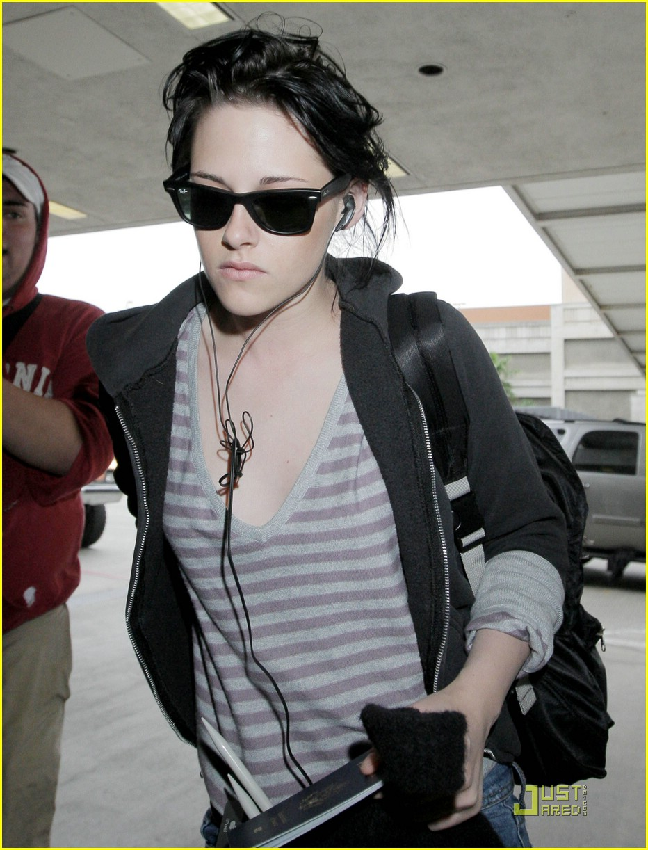 kristen stewart twilight scream 05