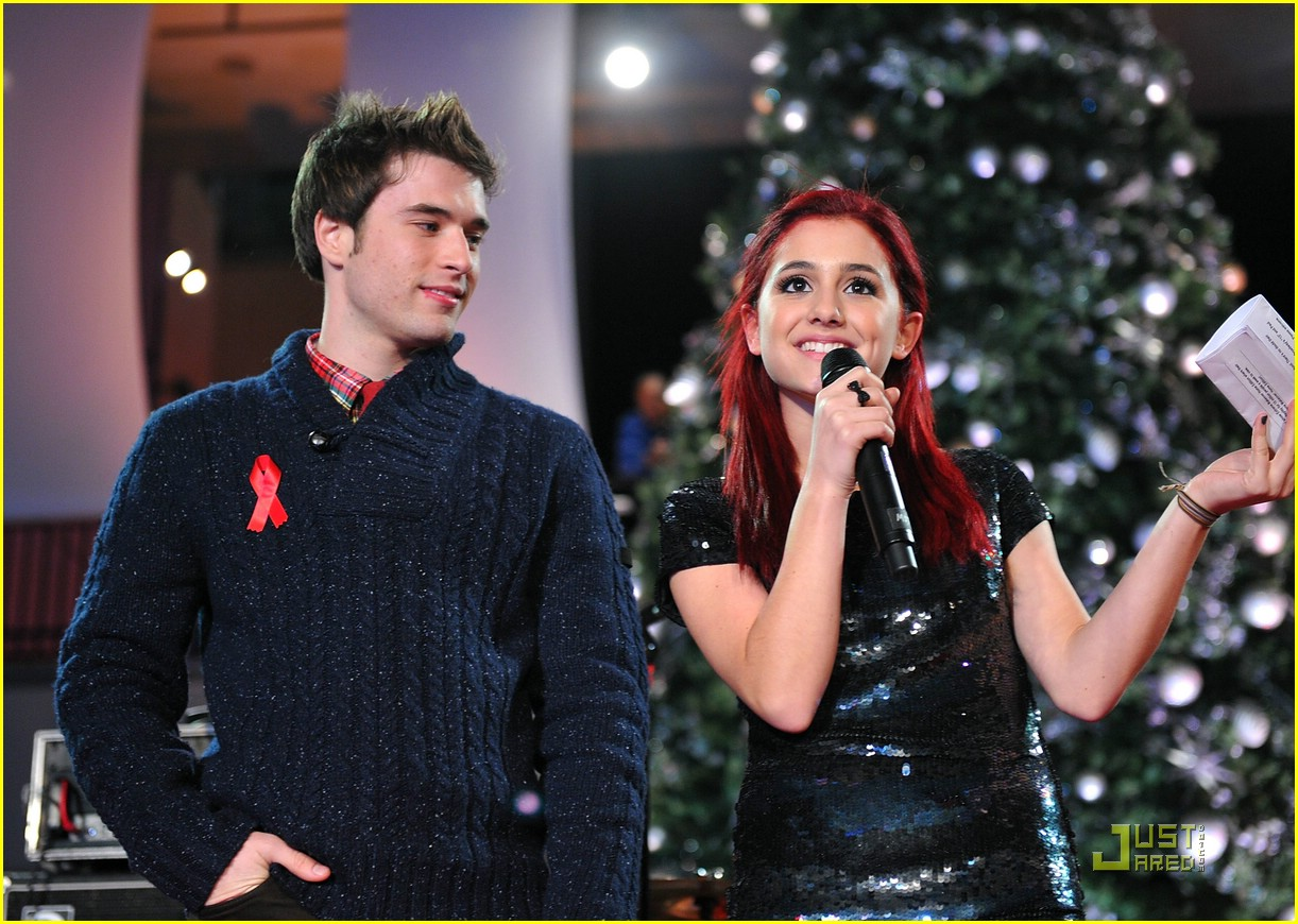 ariana grande aids awareness 09