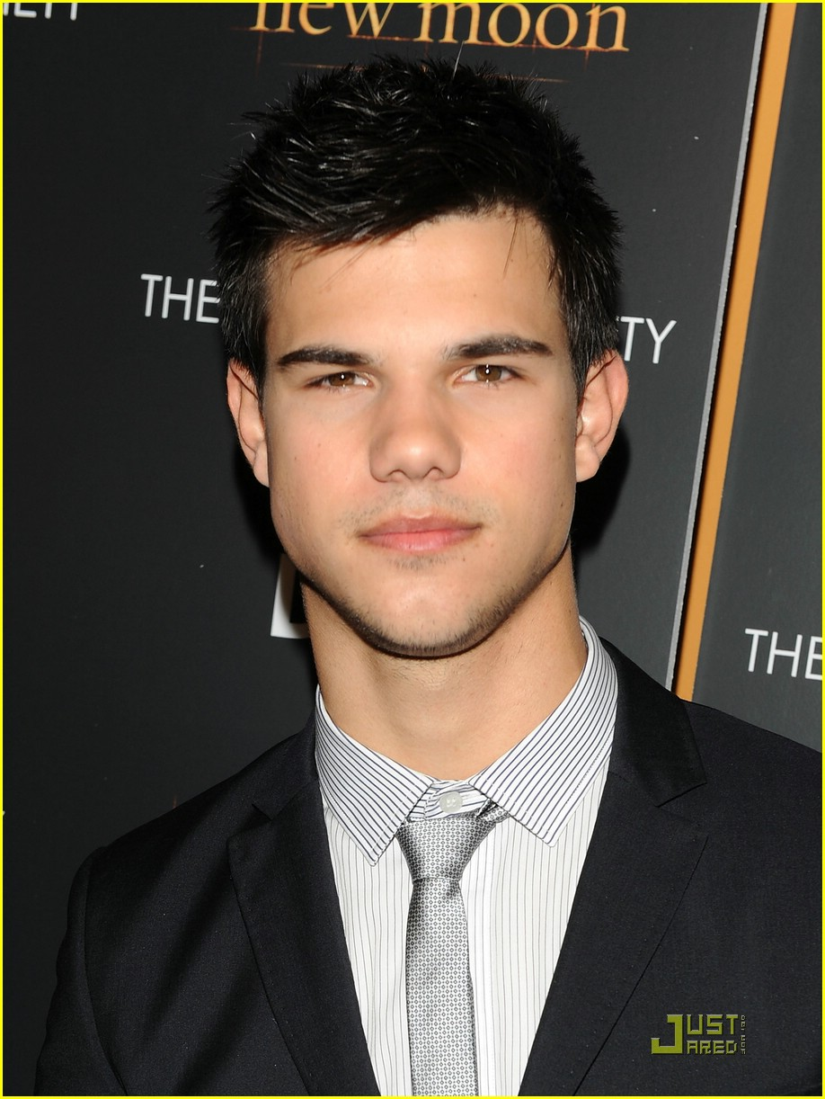 taylor lautner turn on 04