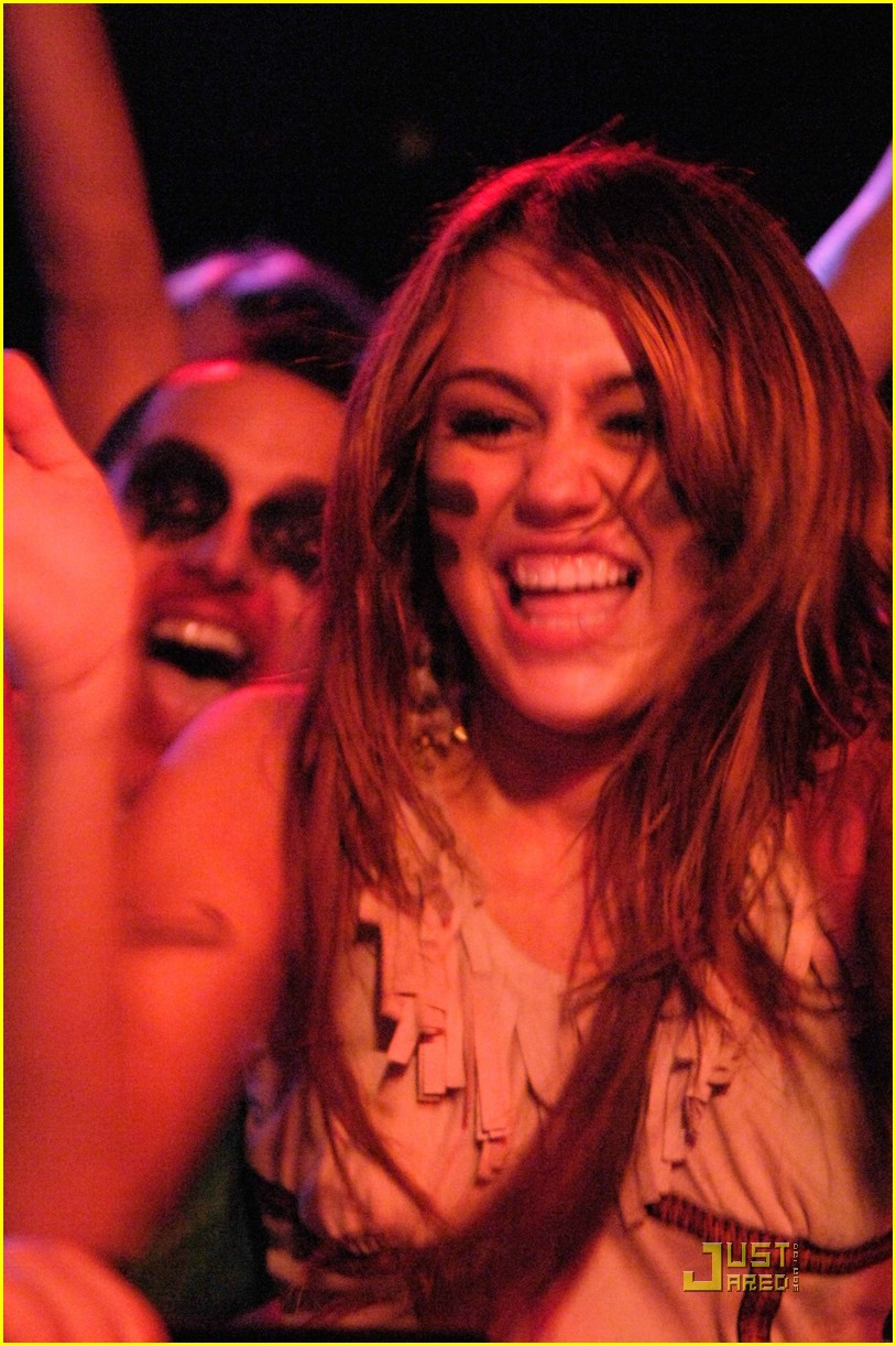 miley cyrus rock roll 03