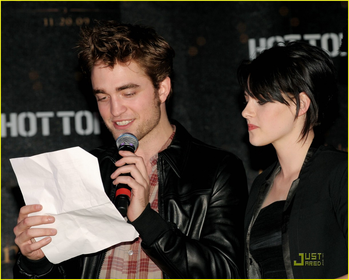 new moon cast hollywood highland 35