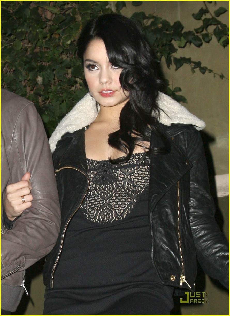 zac efron vanessa hudgens surprise party 03