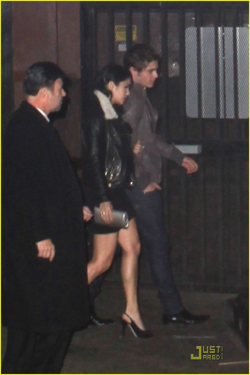 zac efron vanessa hudgens surprise party 06