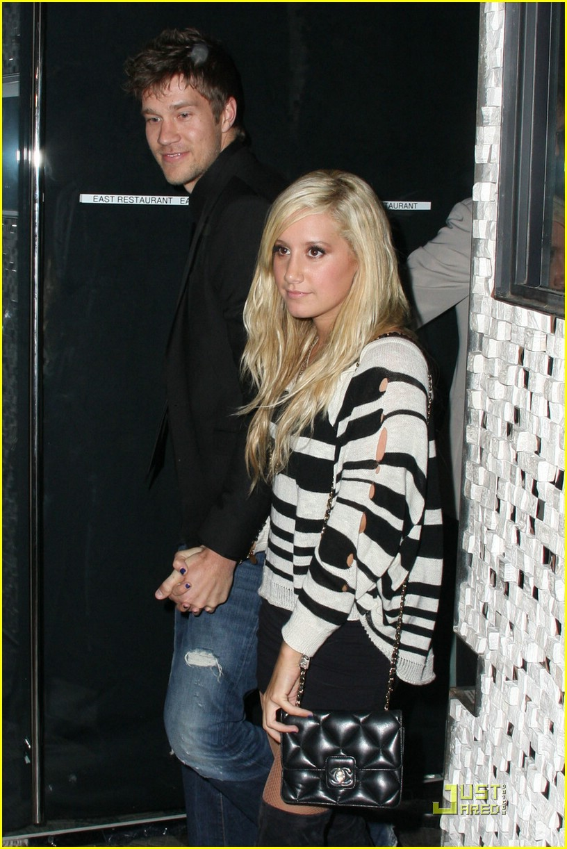 ashley tisdale scott speer surprise party 30