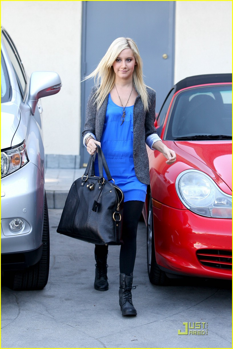 ashley tisdale boyfriend blazer 06