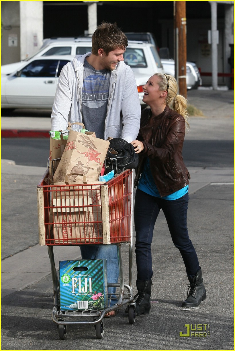 ashley tisdale scott speer trader joes 42