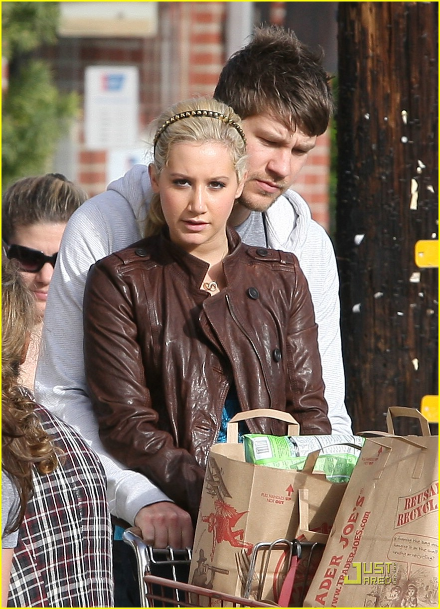 ashley tisdale scott speer trader joes 43