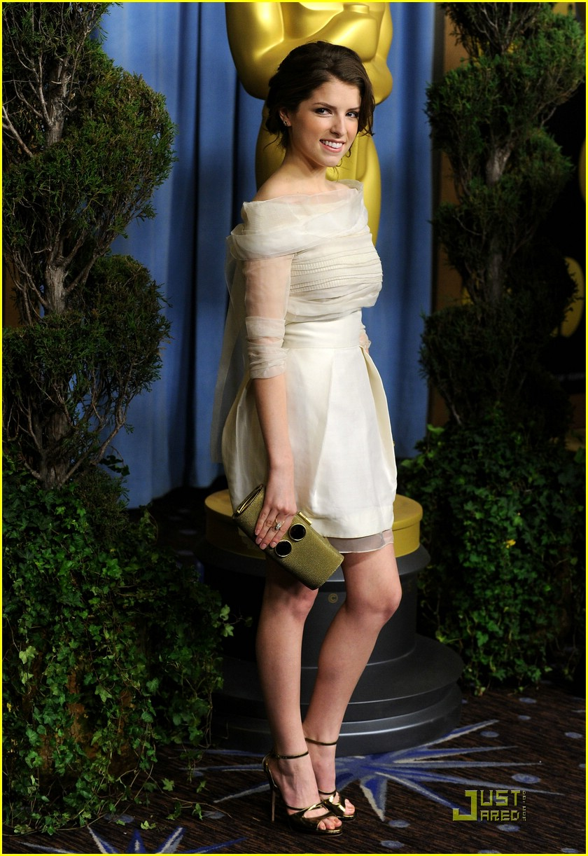 anna kendrick luncheon oscar 02