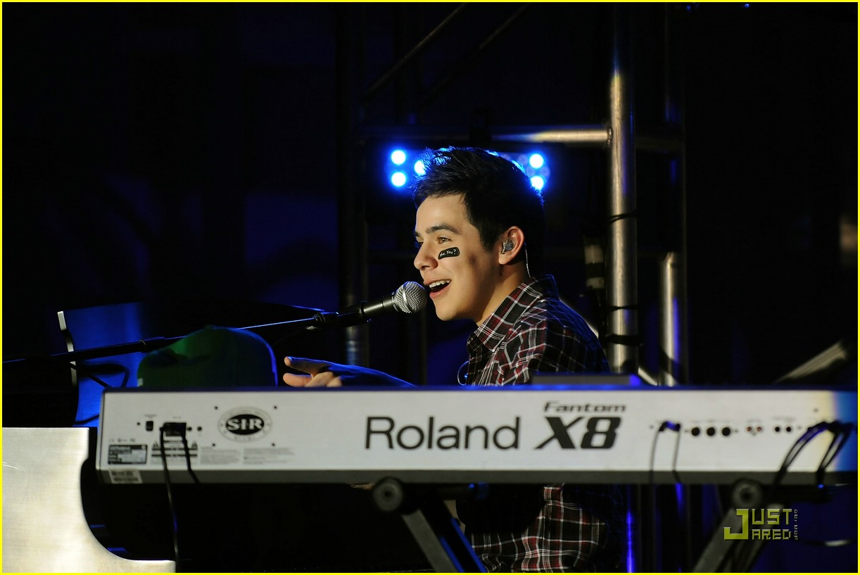 david archuleta jordin sparks thumbs up 02