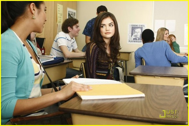 lucy hale pretty liars first look 05