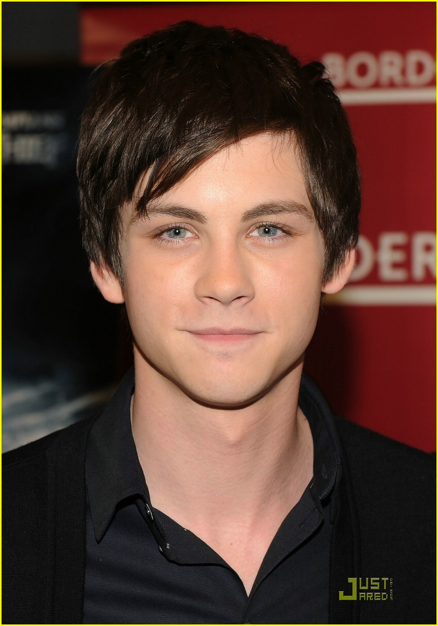 logan lerman alexandra daddario borders kips day 06