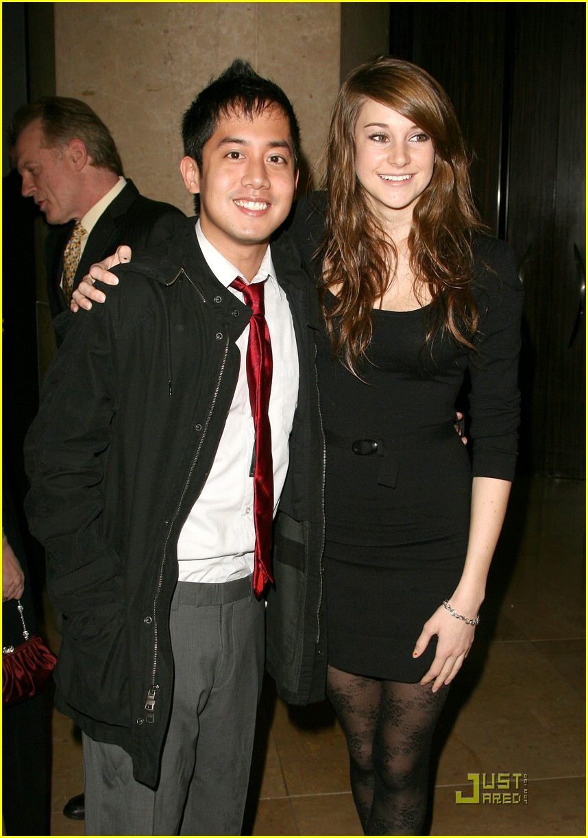 Francia Raisa Daren Kagasoff / Who looks best with daren kagasoff.