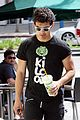 Joe-smoothie joe jonas smoothie bodyshop 07