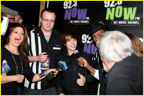 justin bieber bowling party 05