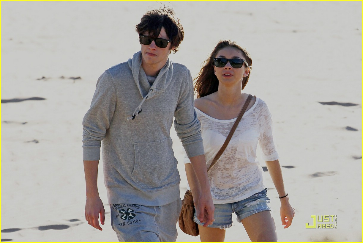 sarah hyland matt prokop hawaii 02