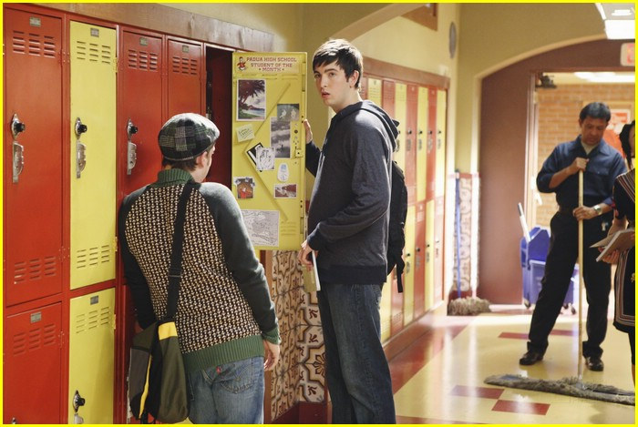 lindsey shaw ethan peck flirt 02