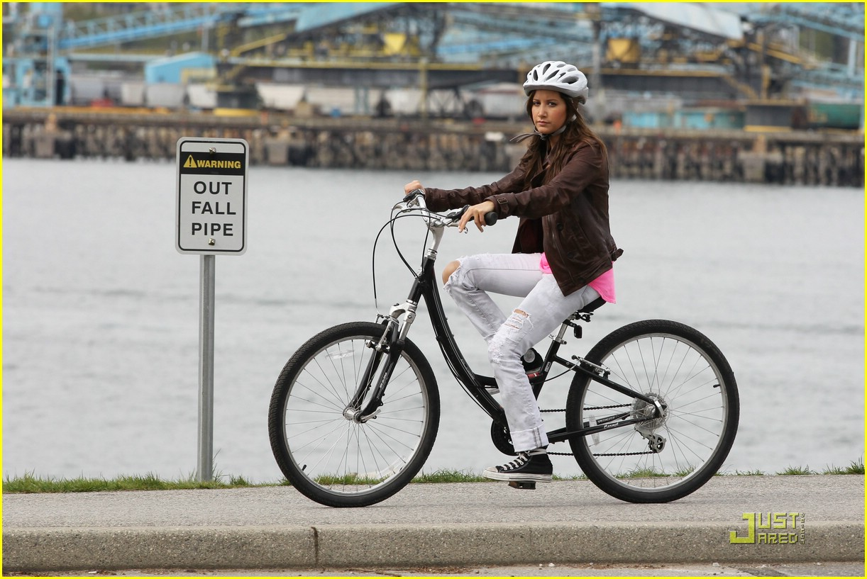 ashley tisdale scott speer biking 16